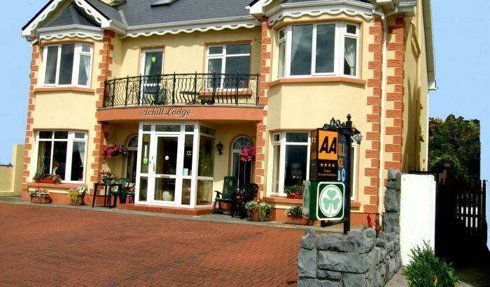 hotels near transportation hubs, railway, and bus stations in Claddagh, Ireland