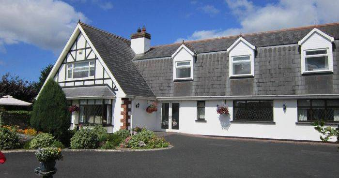 holiday reservations in Adare